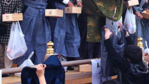 健康と豆とお菓子をゲットしよう!松戸神社の節分祭【2016年】