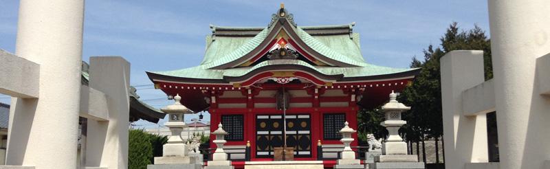 赤城神社 – 真っ赤な社殿が美しい神社